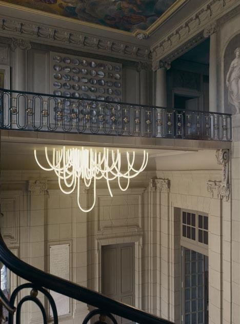 Les-Cordes-chandelier-by-Mathieu-Lehanneur-for-Chateau-Borely_4_Design_Index