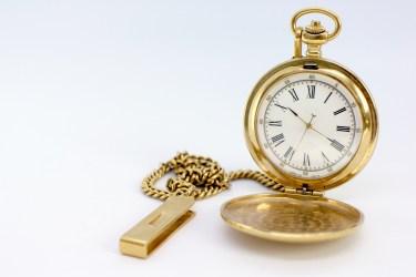 アナログとデジタル時計のそれぞれの短所や長所と心理的効果