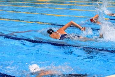 水泳をすると肩幅が広くなる?女子が気になる実際の水泳効果