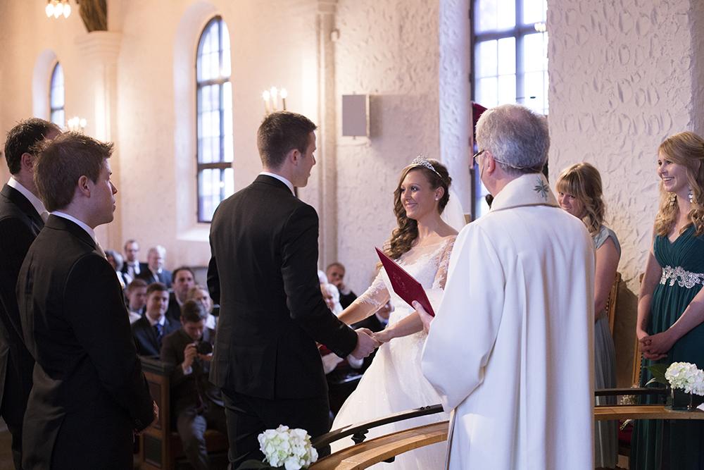 krist.in design bryllupsfotograf rogaland øyeblikk vielse pronovias operaen oslo s bryllupsbilder