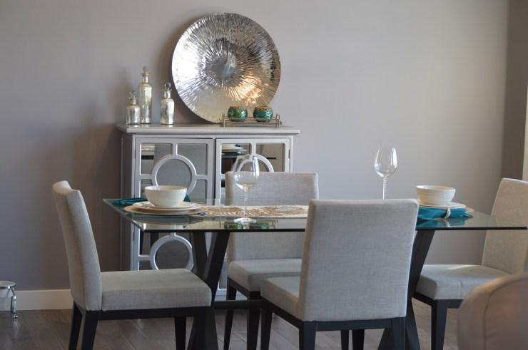 Dining room with mirrored server