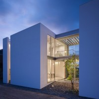 Residential Architecture: House in Masaki by Hayato Komatsu Architects