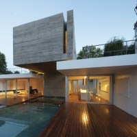 * Residential Architecture: Bunker House by Estudio Botteri-Connell