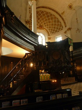 The pulpit by Grinling Gibbons