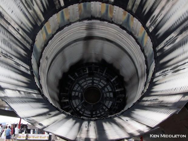 F-15A_KOQU_Nozzles_18June2005_KenMiddleton_100_7446