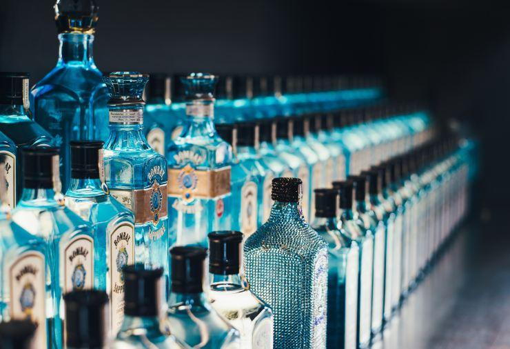 annie spratt pop bottles