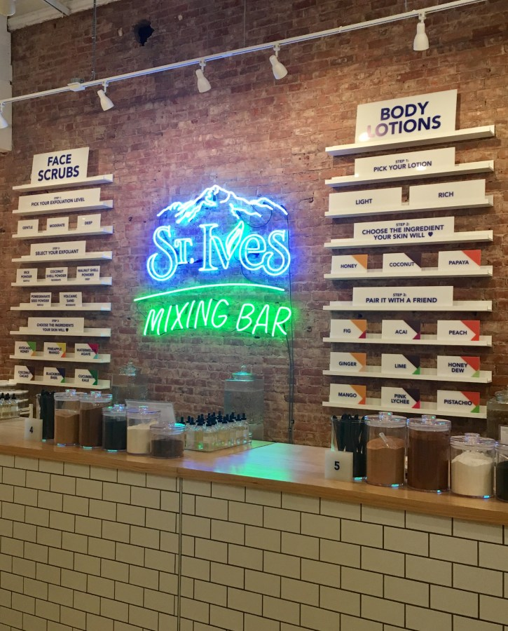 St. Ives Mixing Bar