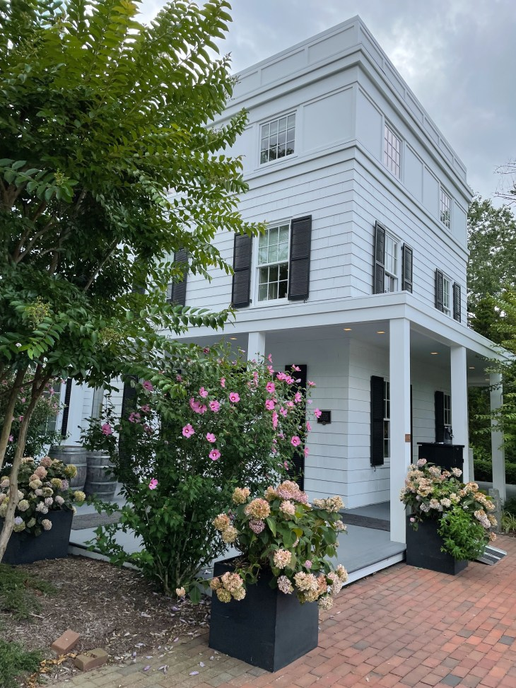 Design and Style Report image, Topping Rose House in Bridgehampton NY, entrance off driveway