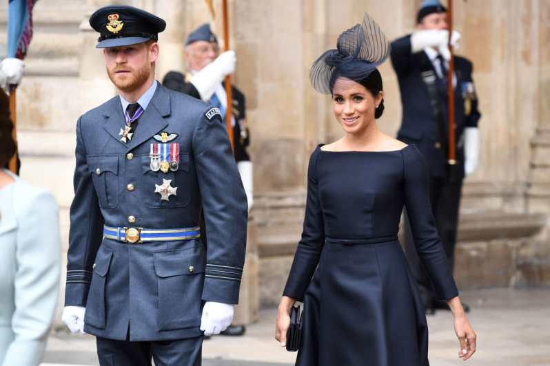 pět nejlepších královských outfitů meghan markle (3)