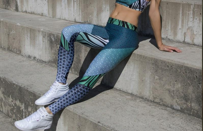 aida style barevná slovenská móda (1)
