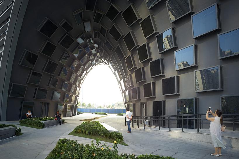 Hangzhou Gateway In China By JDS Architects
