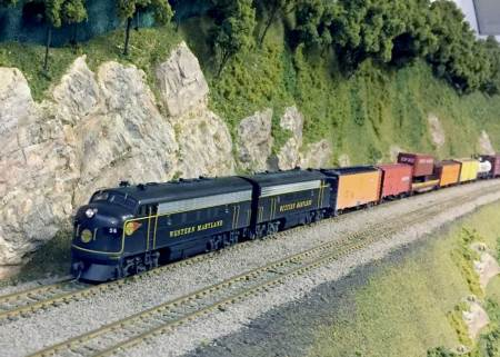 Mountain railroading on Paul Backenstose's HO scale layout.