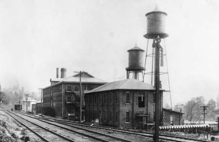 Wiliam R. Jones Glass Factory, Seneca, Morgantown, W. Va., 1920. Retrieved from the West Virginia Historical Photographs Collection (LINK: http://wvhistoryonview.org/ ). Image ID 008433.