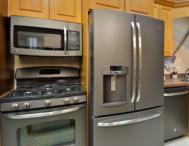 Slate Finish Is An Alternative To Stainless Steel Appliances Design Build Planners