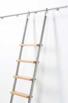 stainless_steel_ladder_with_timber_treads_-_hook_on
