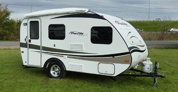 SUV Travel trailer