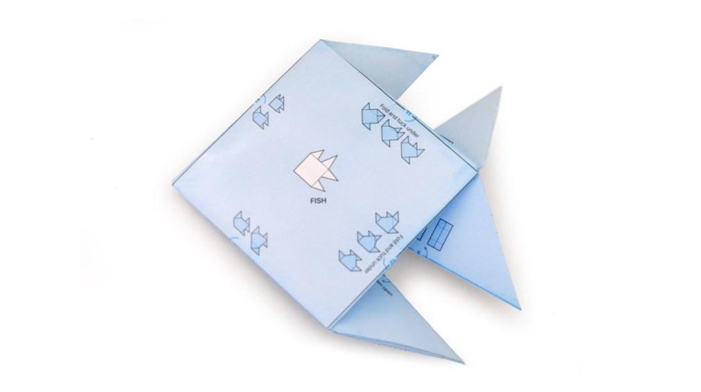 Origami de peixe criado com o papel de embrulho da ILOVEHANDLES
