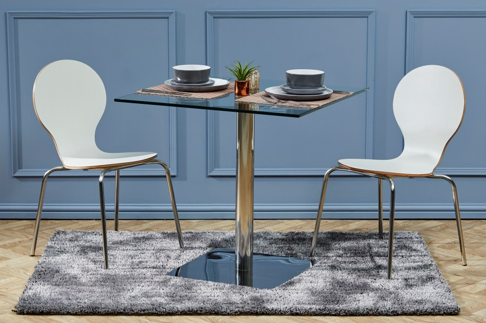 Keeler Chairs with Havana Table Essence