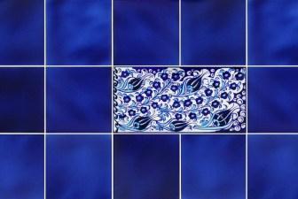 2001-hand-painted-iznik-tile