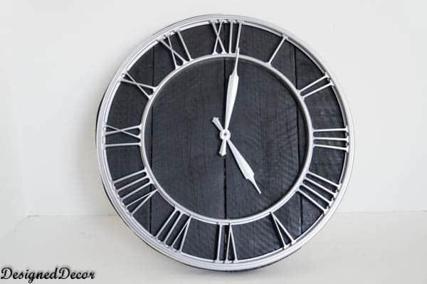 pallet clock-