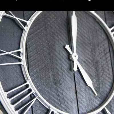 Repurposing pallet wood into a Pallet Clock!