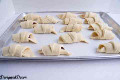 How to roll a Crescent Roll