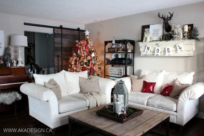 LIVING-ROOM-CHRISTMAS-TREE