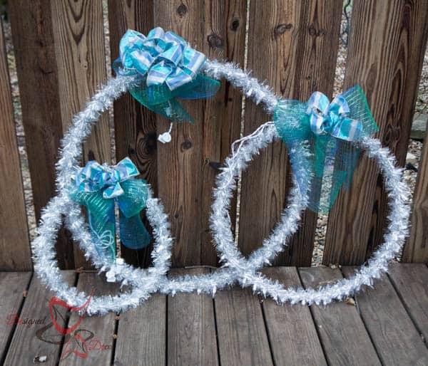 DIY Outdoor Christmas Hanging Light Rings