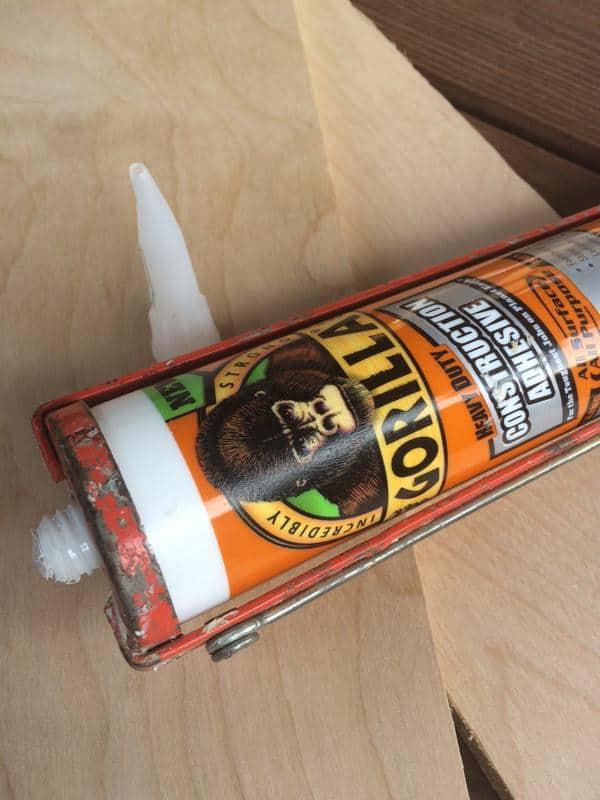 how to get gorilla glue off laminate floors