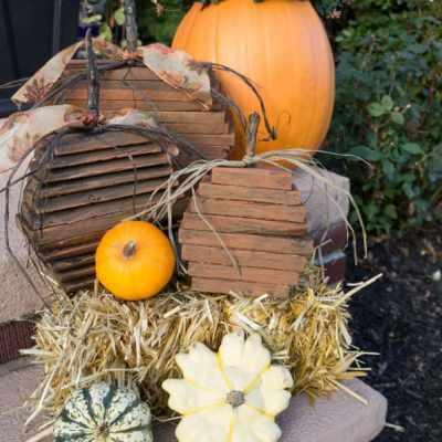 Repurposed Pallet Pumpkins!