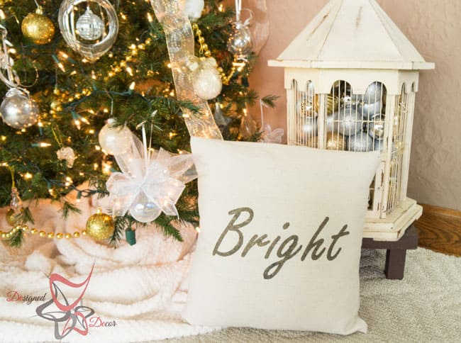 So Sew Easy Pillow Cover- DIY- Stenciled Fabric - Advent Calendar (27 of 27)