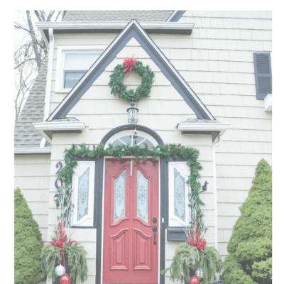 Outdoor Christmas Decorations on a Budget!