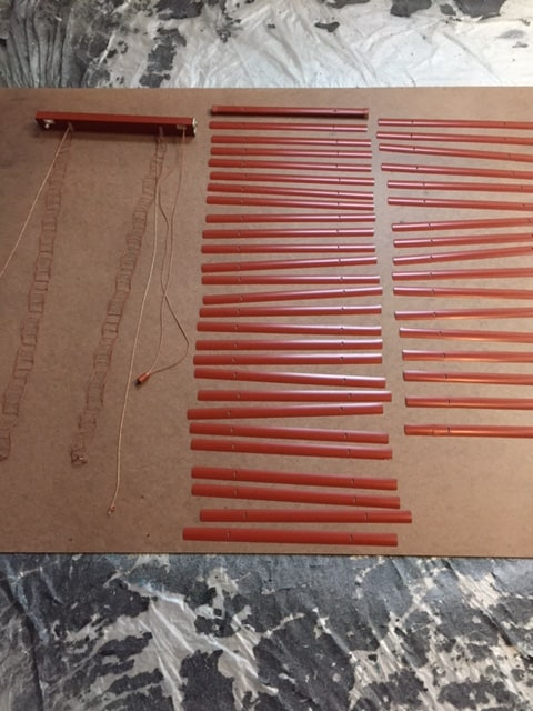 Delightful Can You Paint Faux Wood Blinds Part - 12: Spray-painted-metal-blinds-diy-projects