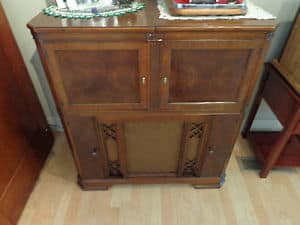 1942-zenith-radio-cabinet