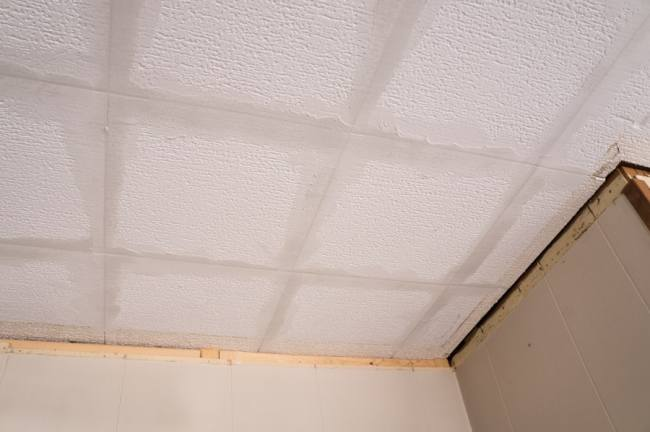 wallpaper ceiling prep