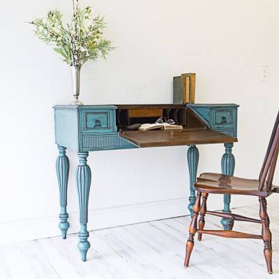 How to Powder Glaze Furniture