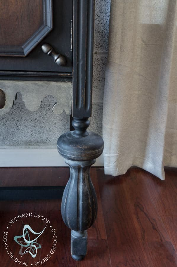 using aging dust to enhance old furniture