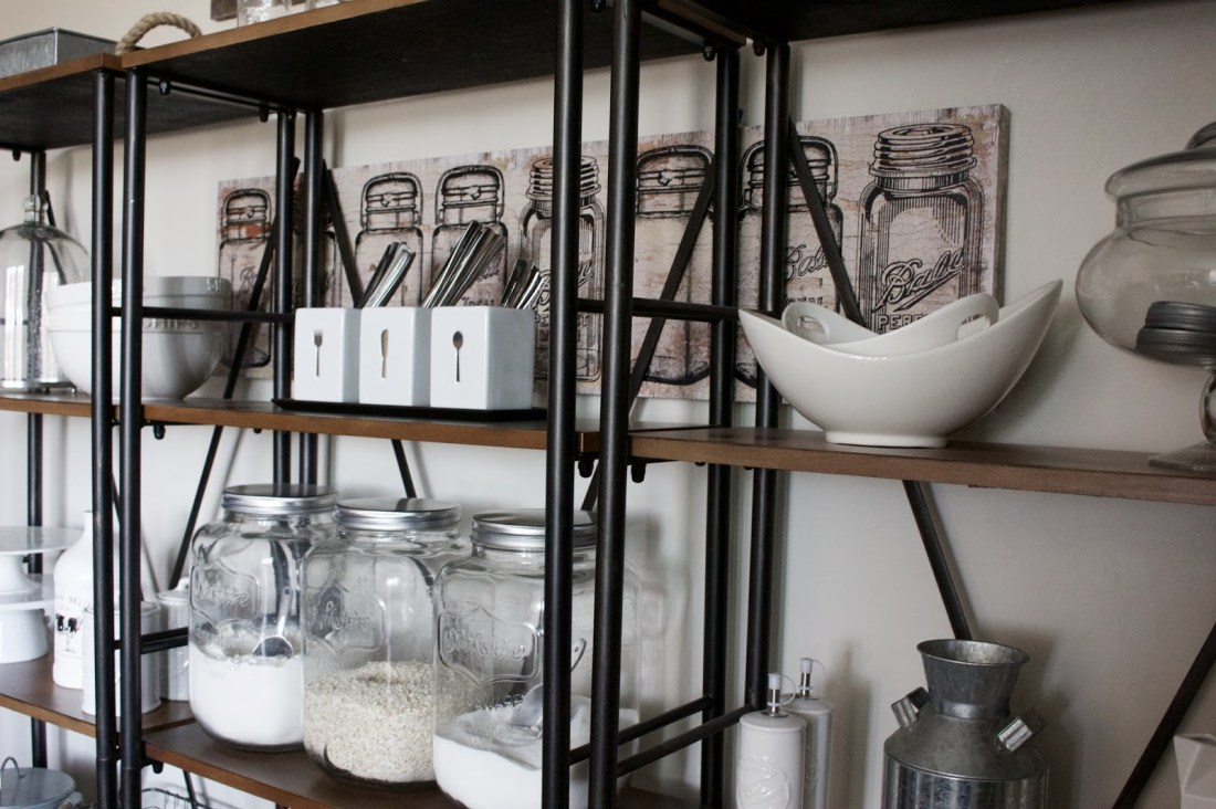 farmhouse dining shelves