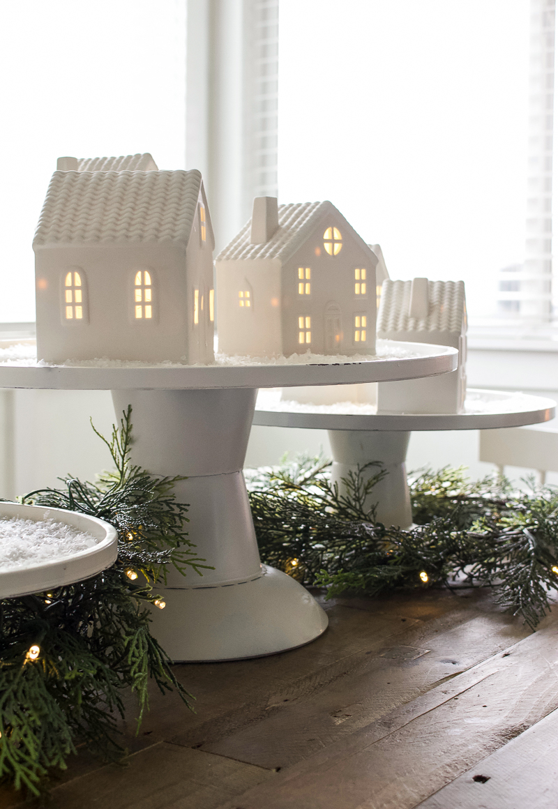 Christmas House Tour 2018 - Kitchen & Dining Room | designedsimple.com