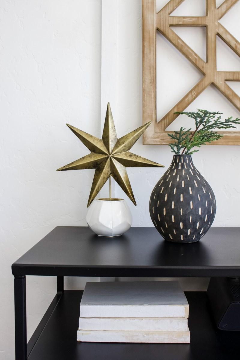 Continuing our simple Christmas house tour with the festive decor in the smaller rooms like my office, guest bedroom, and guest bath! | Designed Simple | designedsimple.com