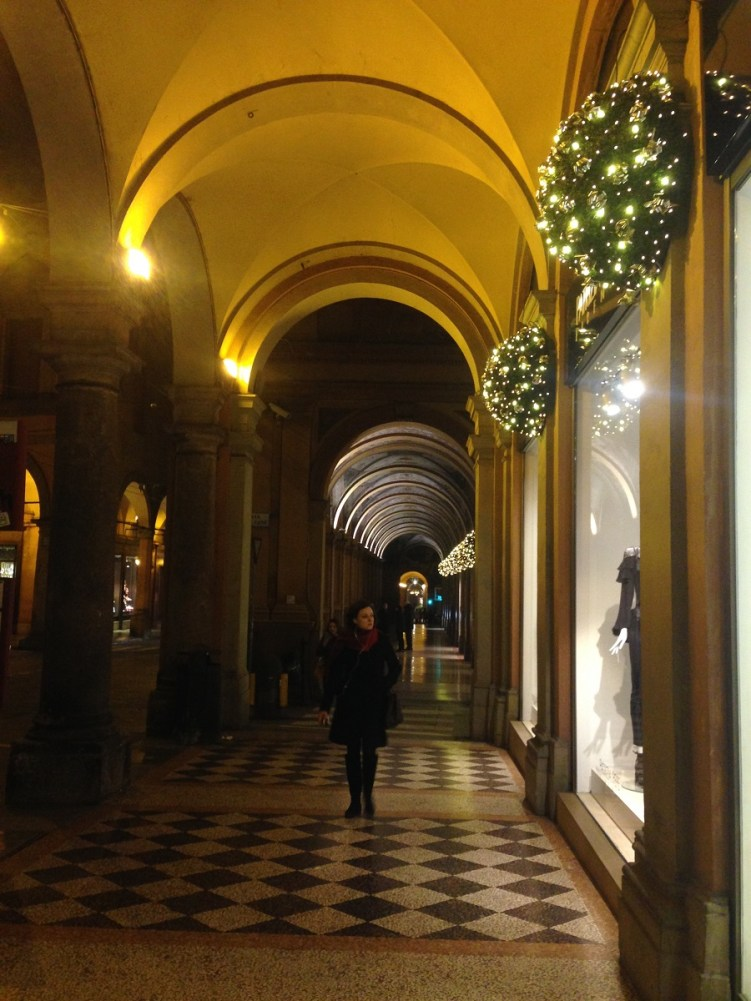 Decoraţiuni de Crăciun în Bologna