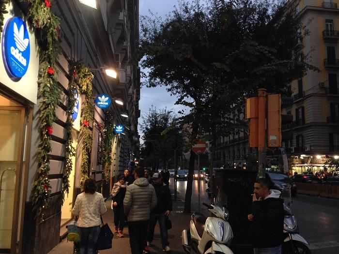 Singură în Napoli: cât e de periculos?