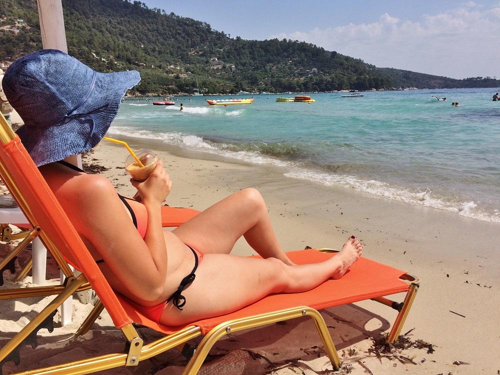Golden Beach, Thassos - una dintre cele mai populare plaje de pe insulă
