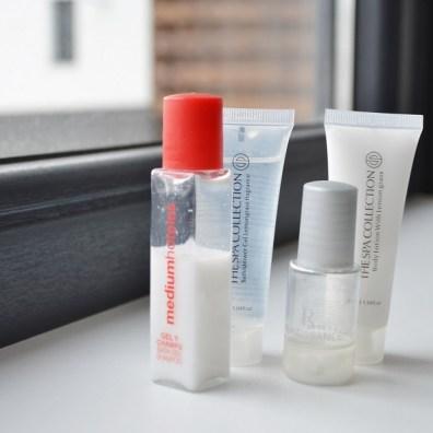 Cum să împachetezi lichidele în bagajul de mână
