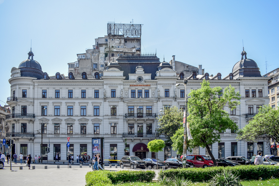 La pas pe Calea Victoriei - obiective în București - Grand Hotel du Boulevard