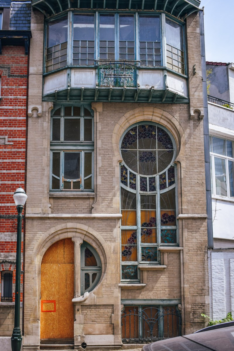 Art Nouveau architecture DIY Tour in Brussels
