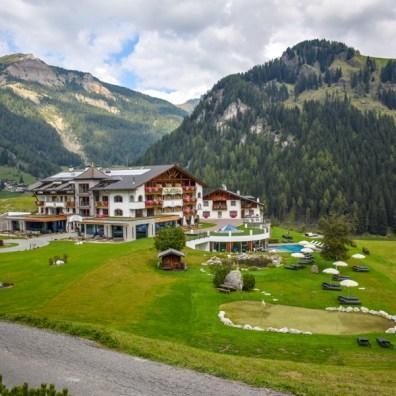 vacanță în Dolomiți - Sasslong