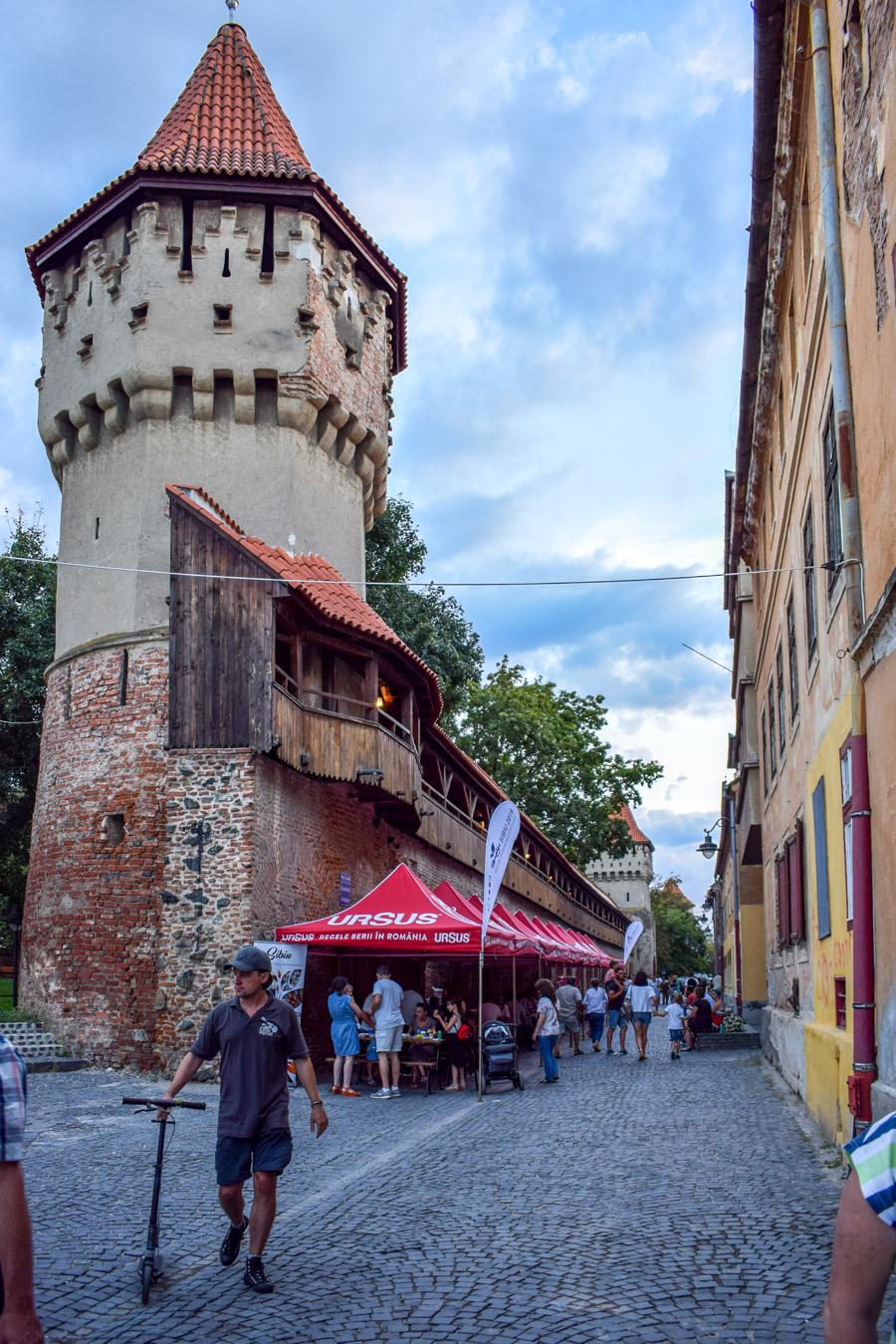 Sibiu, Romania - turnul dulgherilor si in spate al olarilor