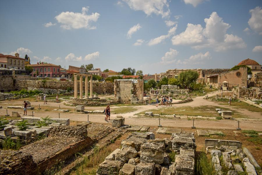 Obiective în Atena - Biblioteca lui Hadrian