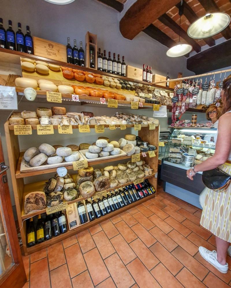 Magazin de pecorino in Pienza